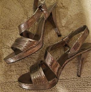 Nine West stunning platform sandal, bronze, 12